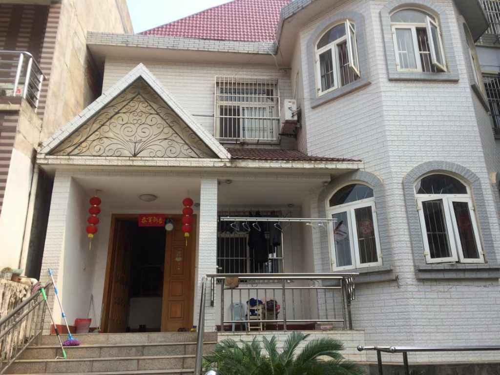 富康路二间三层单门独院出售|别墅|售价155万|每平米.